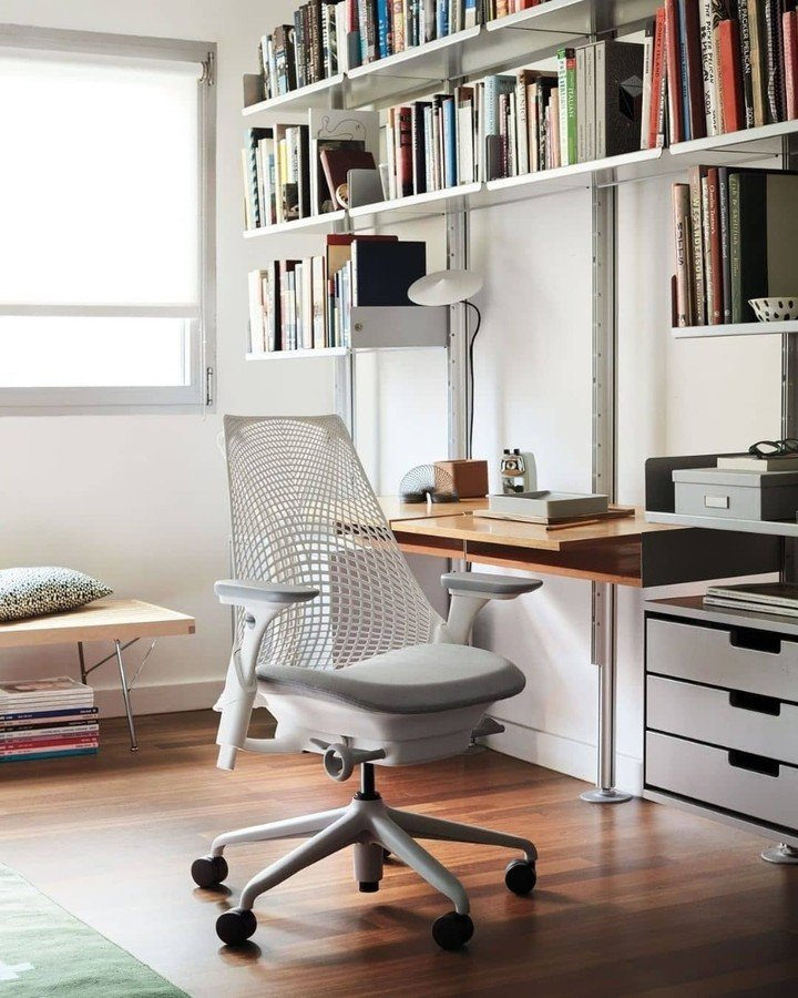 ambiente para home office com SAYL Chair