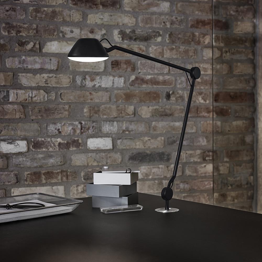 iluminação de escritório com a luminária AQ01
